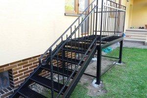 Konstrukce terasy   schodiště a zábradlí